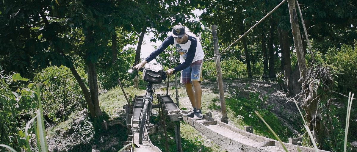 Timor-Leste_Bruecke_Ueber_Fluss_mit_Krokdilen